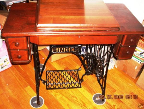 1920 S Singer Sewing Machine No 66 With Cabinet Antique