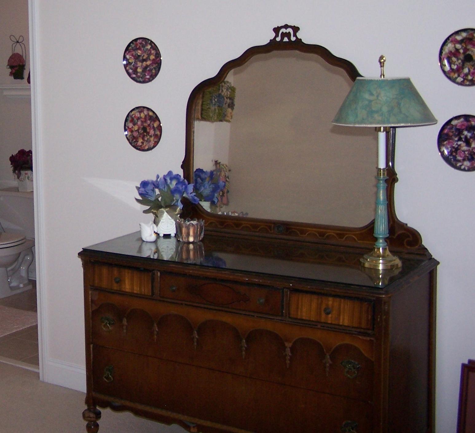 Antique Dresser With Mirror Antique Appraisal Instappraisal