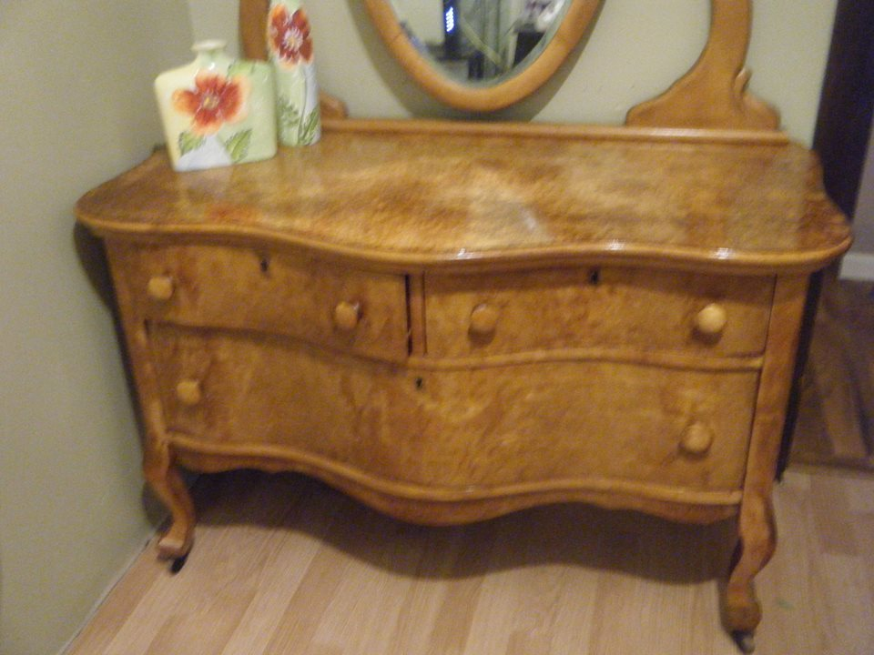 Northern Furniture Company Dresser (Sheboygan, Wisconsin)