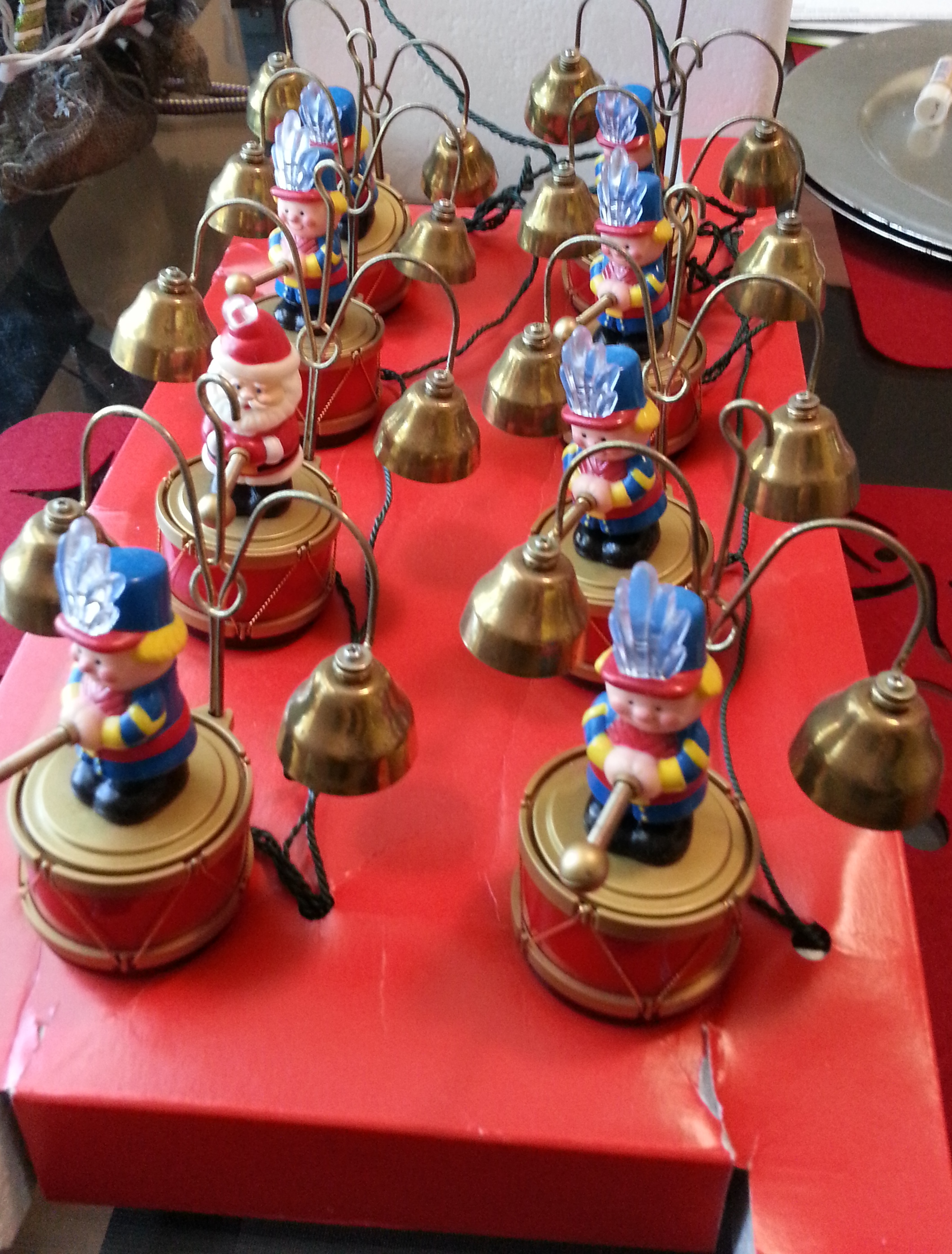 mr christmas santas marching band