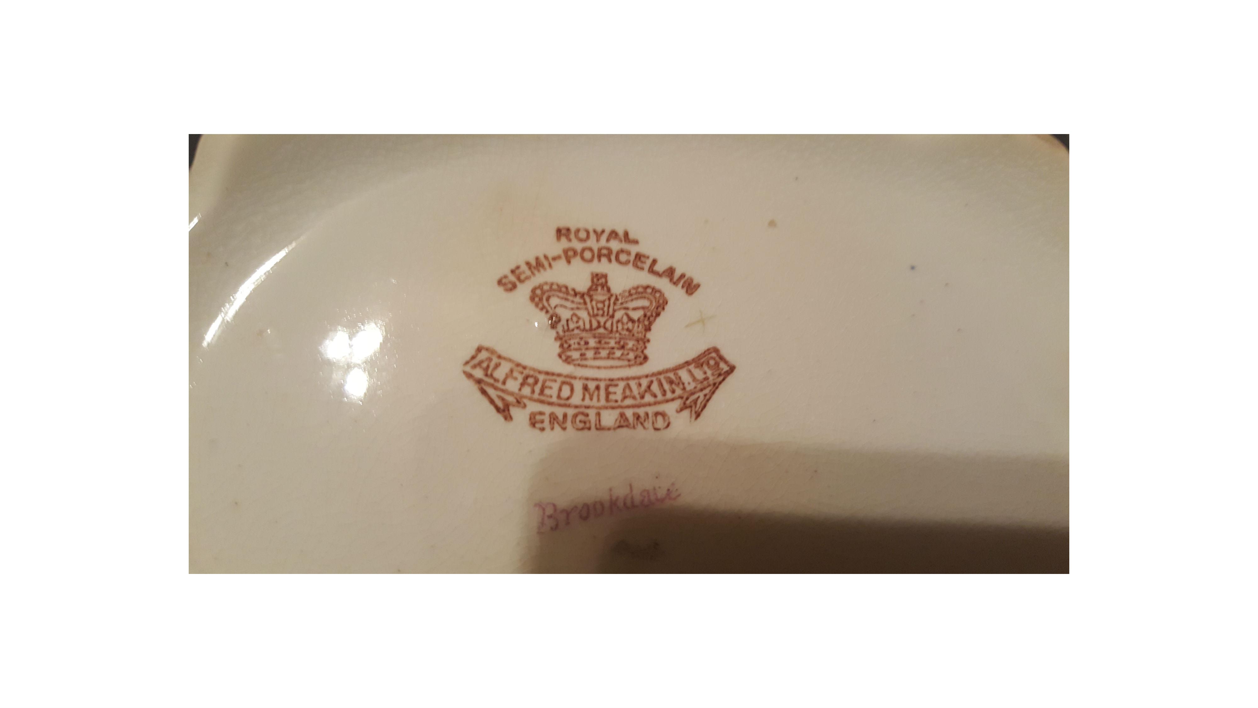 Alfred Meakin Semi Porcelain Brookdale Pattern Vegetable