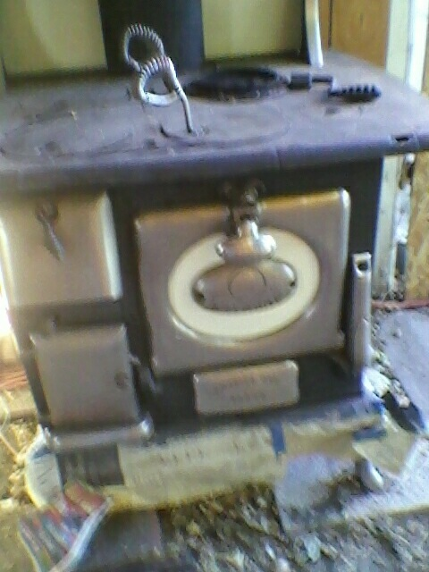 1922 Coal Wood Cooking Stove 4 Burners Antique Appraisal