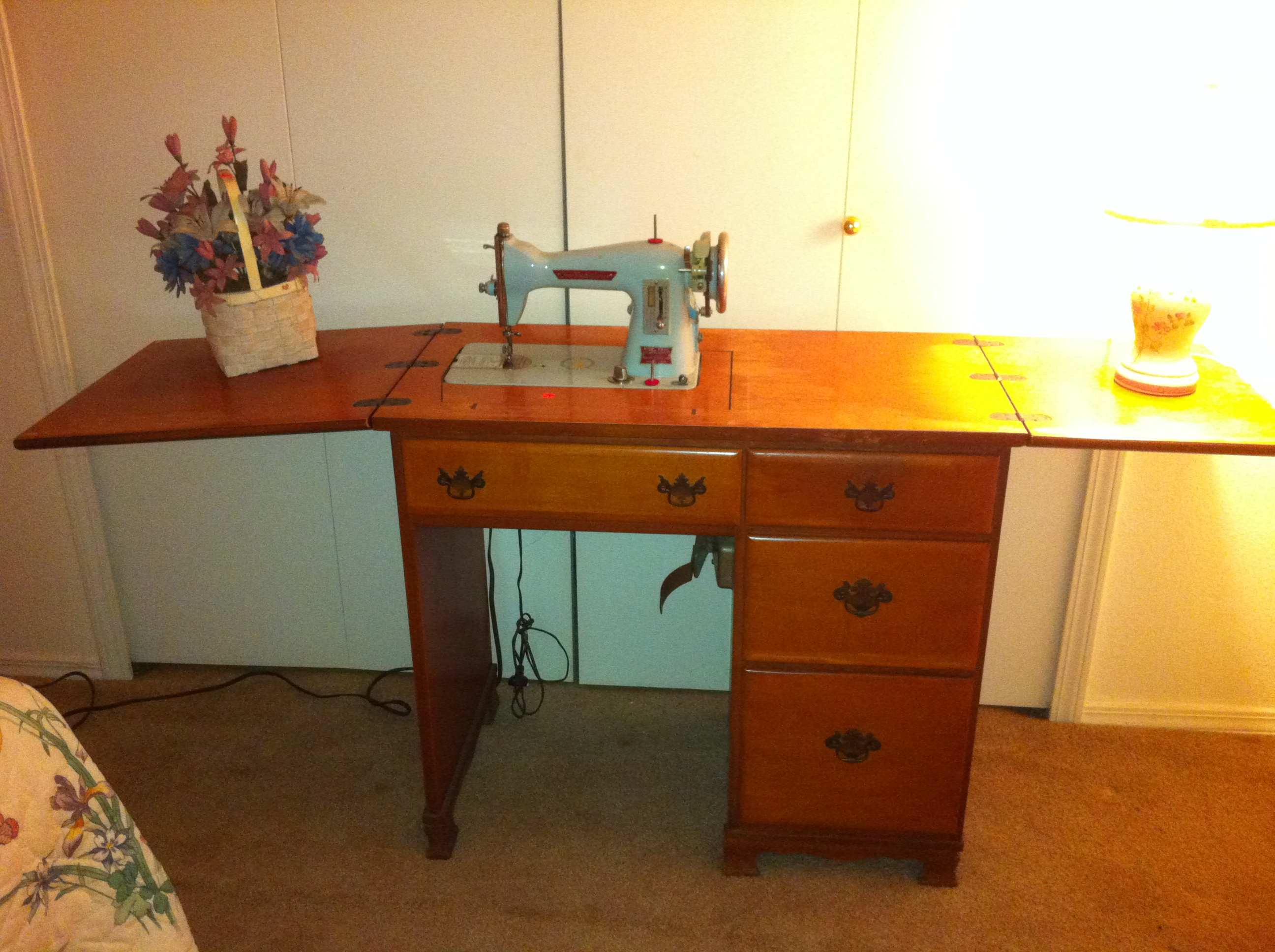 1968 Free Westinghouse Electric Sewing Machine Model HA 1 L In Cabinet