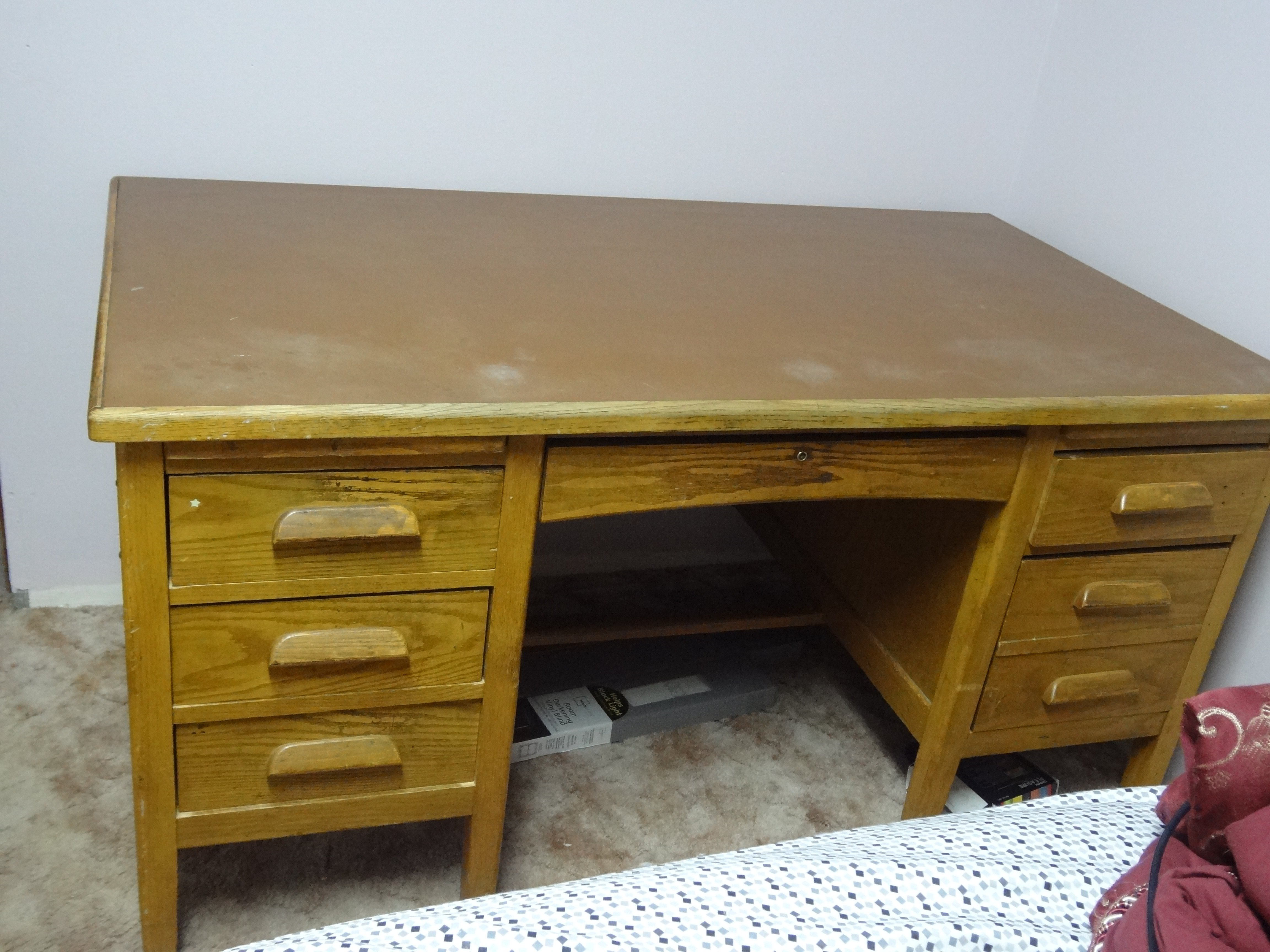 Merveilleux Old Oak Desk