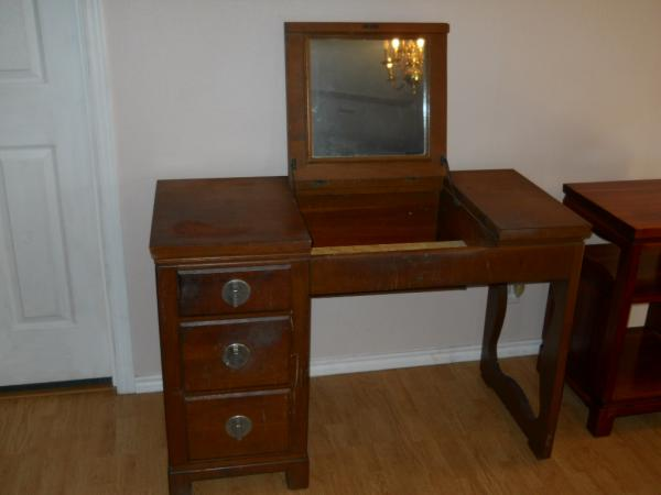 Superieur Bedroom Set By Crawford Furniture Co.