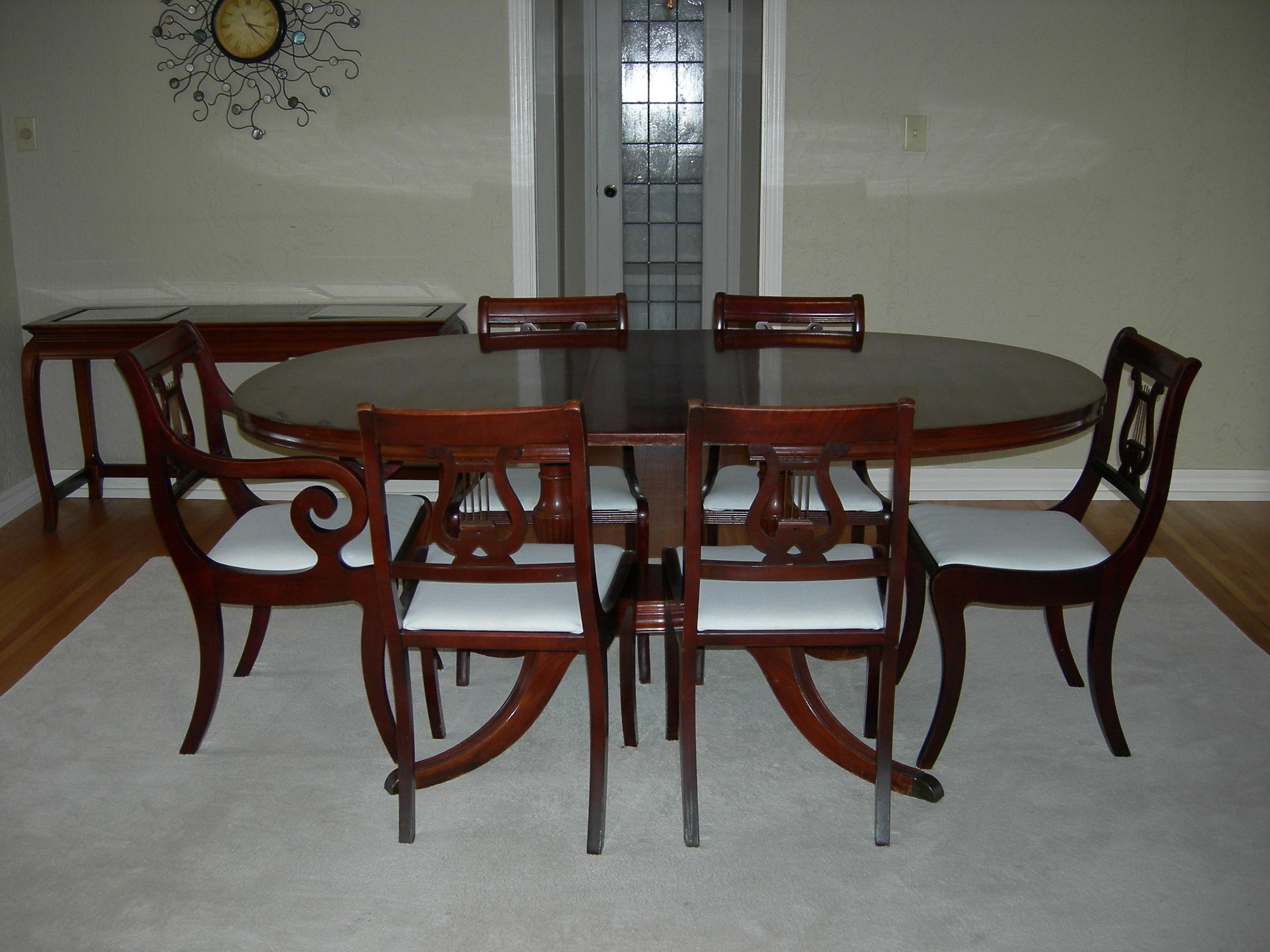 Duncan Phyfe Pedistal Mahogany Table 6 Lyre Back Chairs