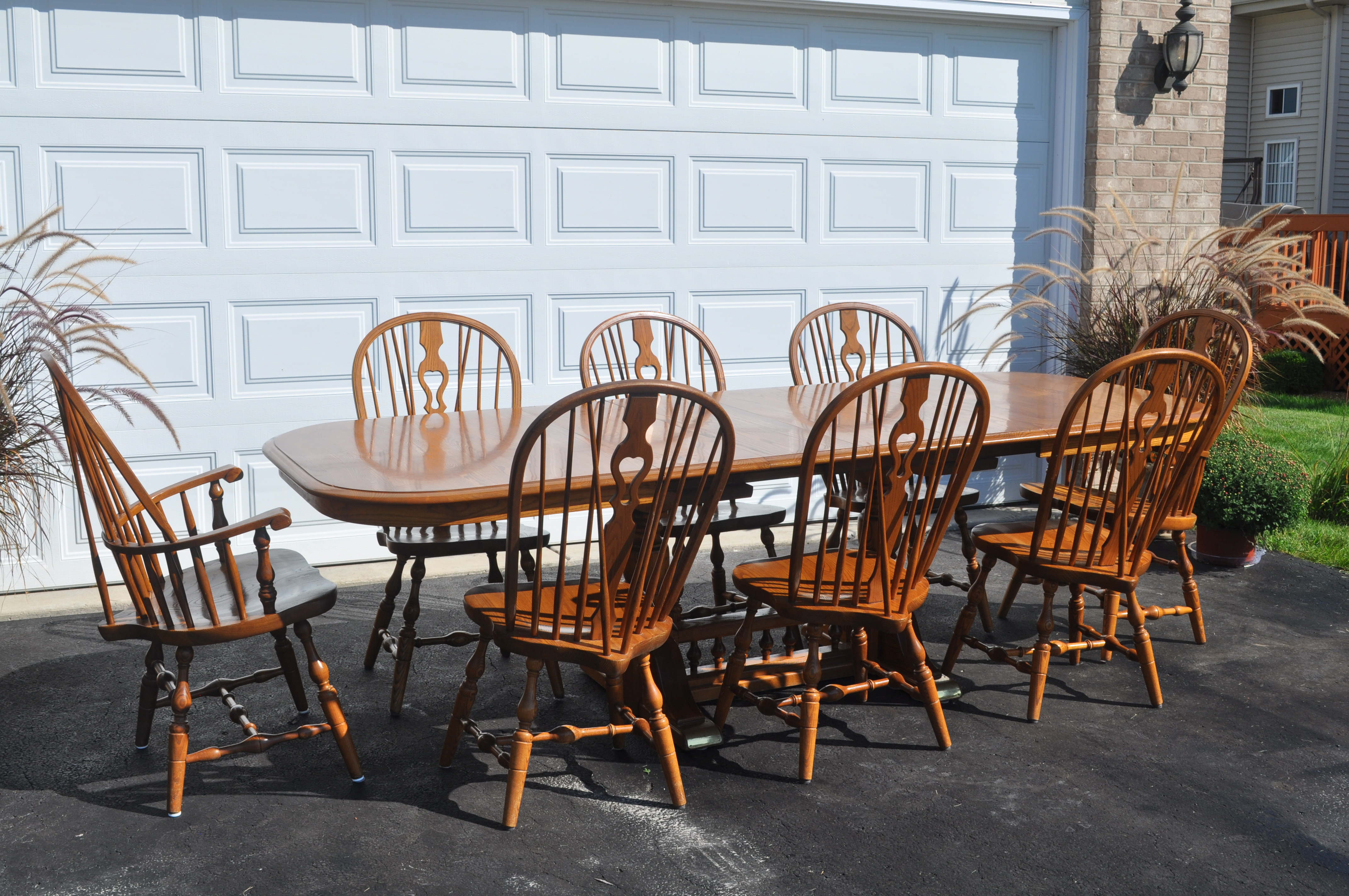 Superb S. Bent Brothers 9 Piece Maple Dining Set.