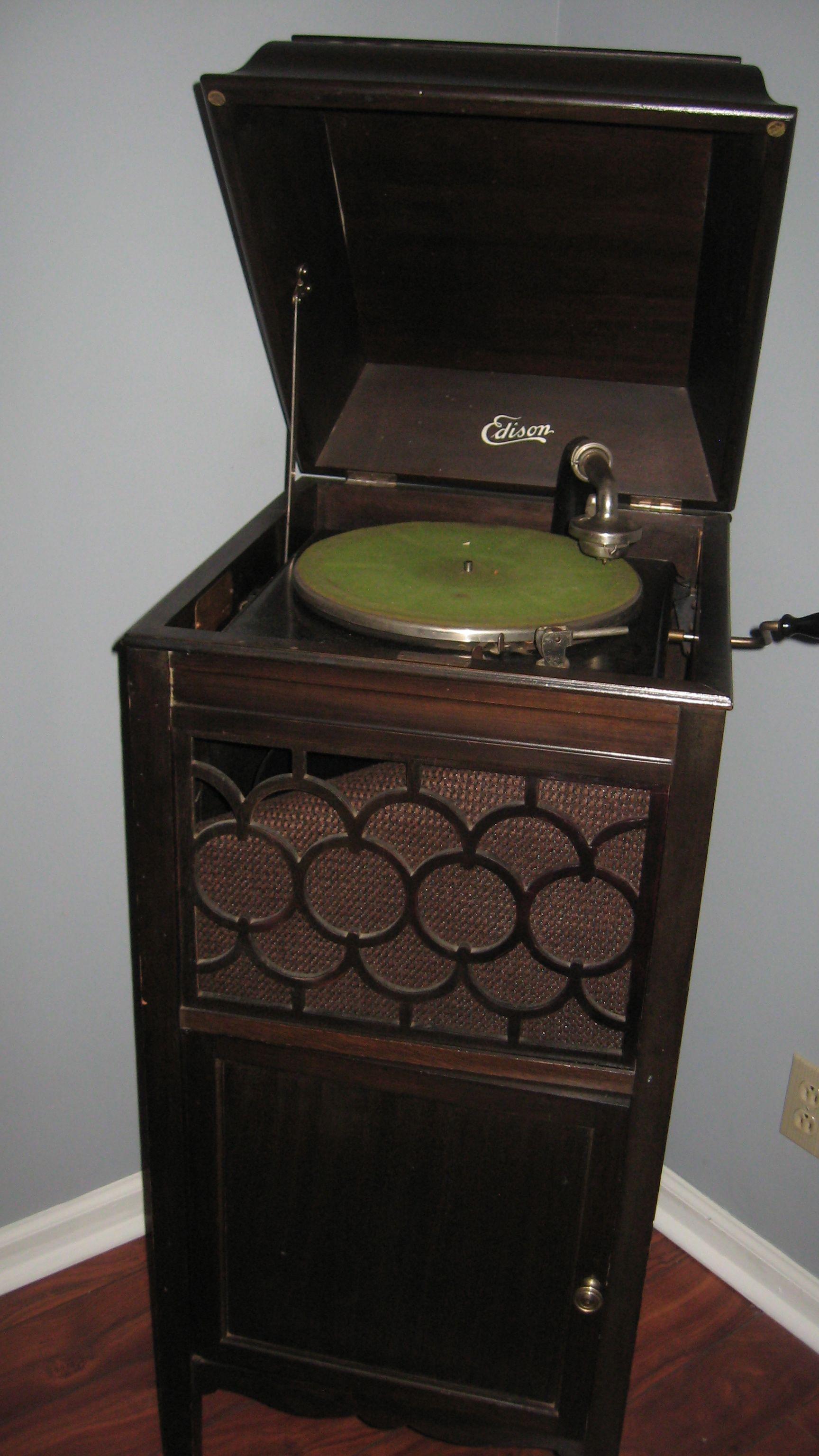 Edison Victrola antique appraisal   InstAppraisal