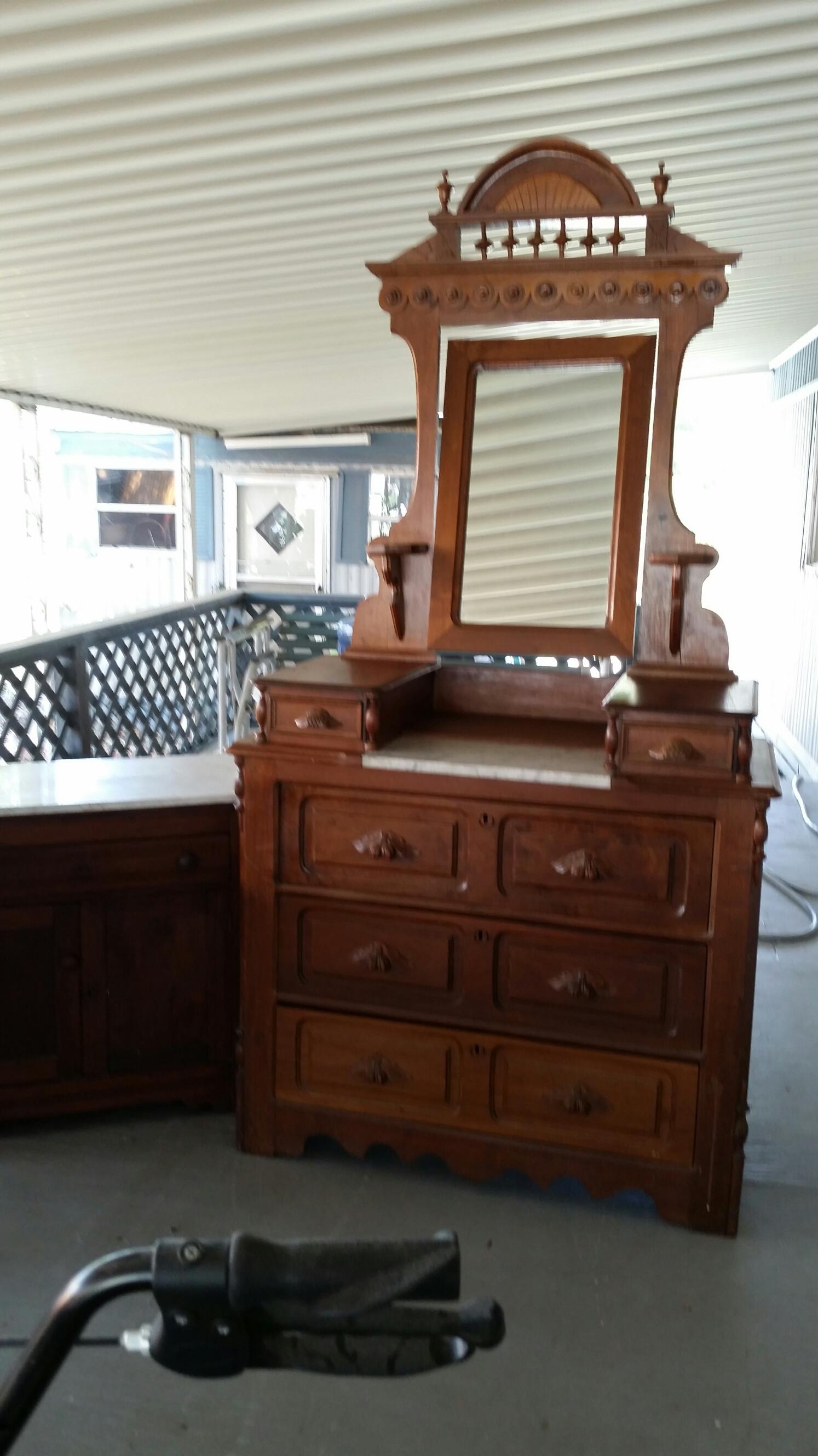 Antique Dresser and Mirror antique appraisal | InstAppraisal