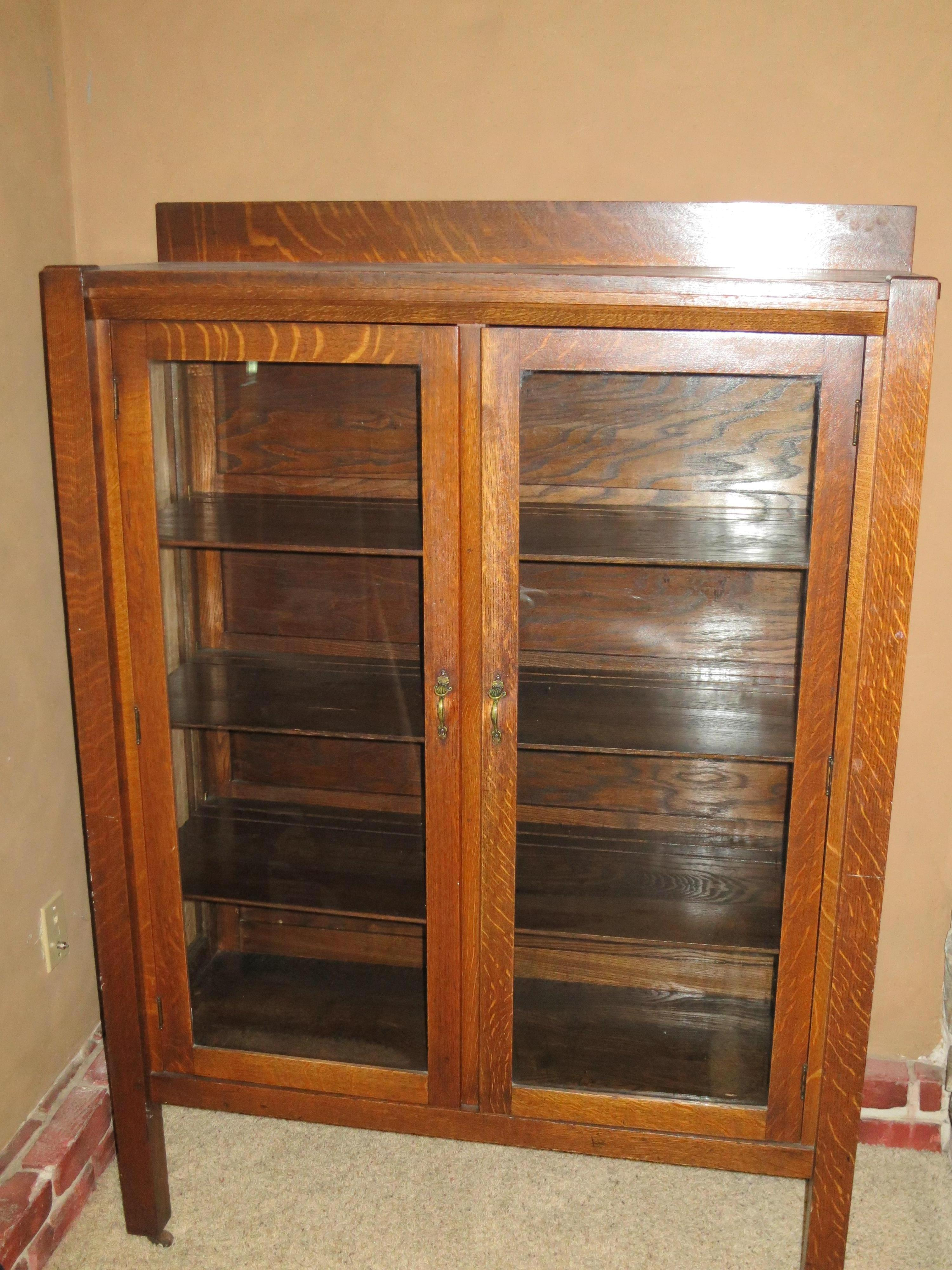 Mission Oak China Cabinet Antique Appraisal Instappraisal