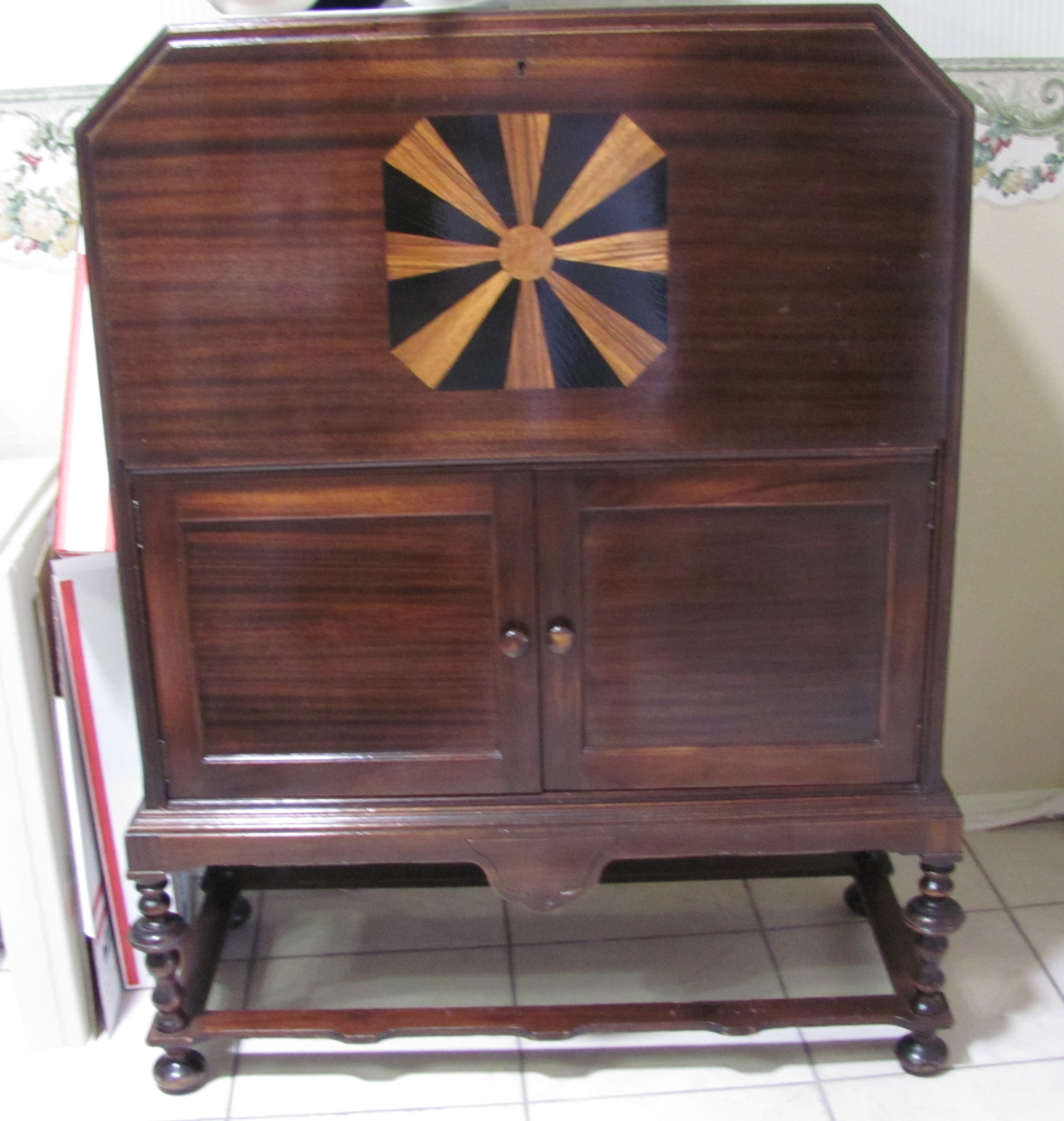 Antique Furniture Appraisal: Antique Tobey Furniture Inlaid Cabinet Antique Appraisal
