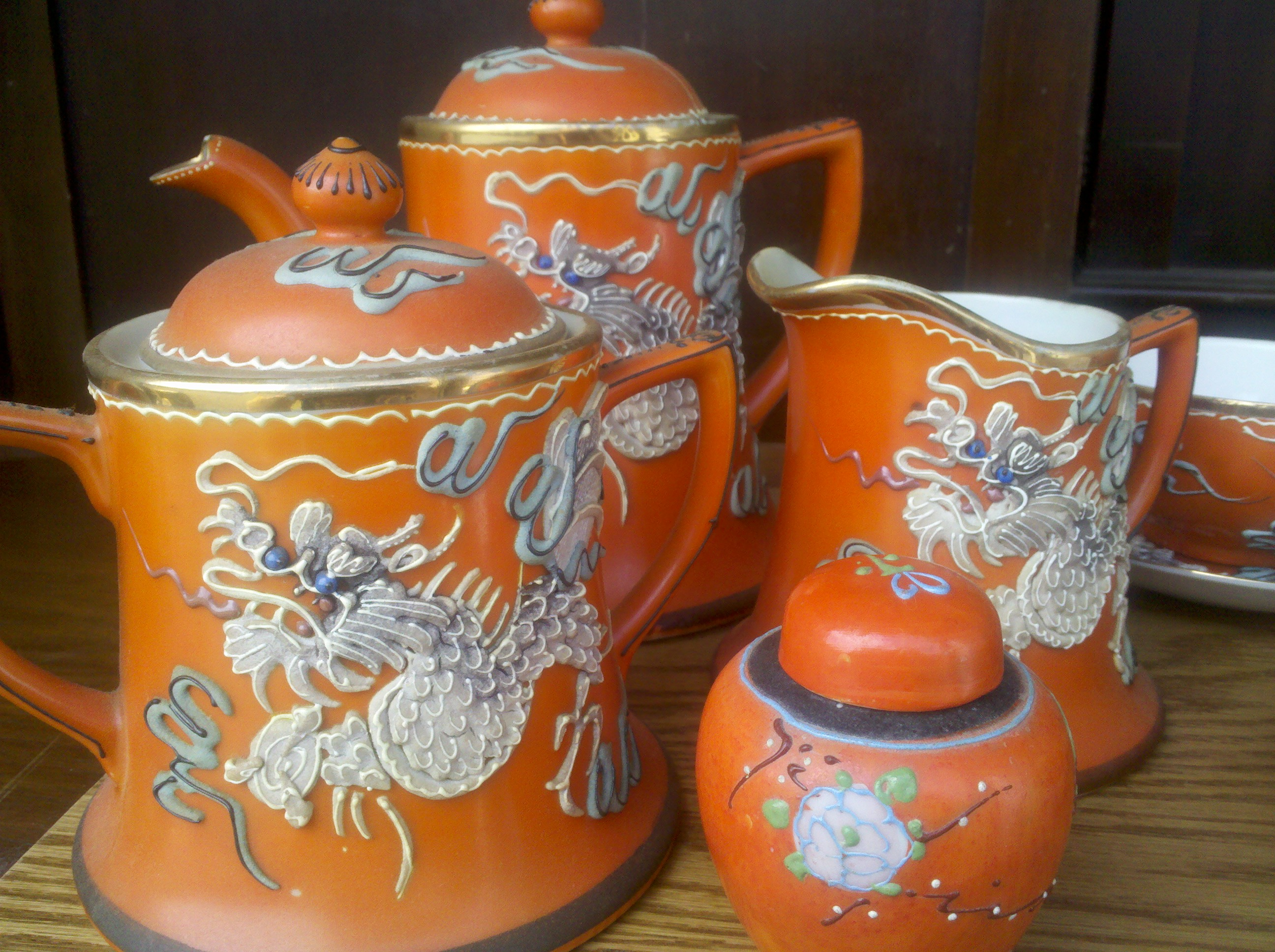 Mystery Dragonware Tea Set antique appraisal | InstAppraisal