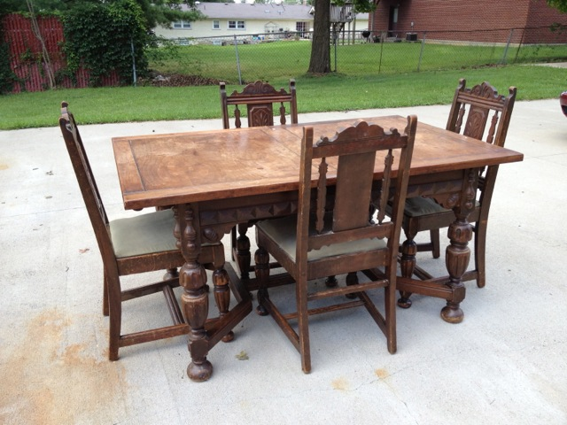 Attirant Angelus Furniture Mfg. Co. Dining Table + Four Chairs