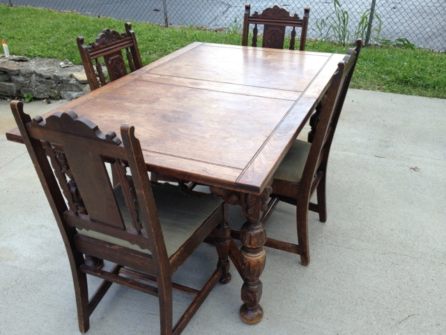 Exceptionnel Angelus Furniture Mfg. Co. Dining Table + Four Chairs