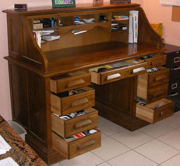 Attirant 1969   Jasper Cabinet Model RT684 Americana Roll Top Desk