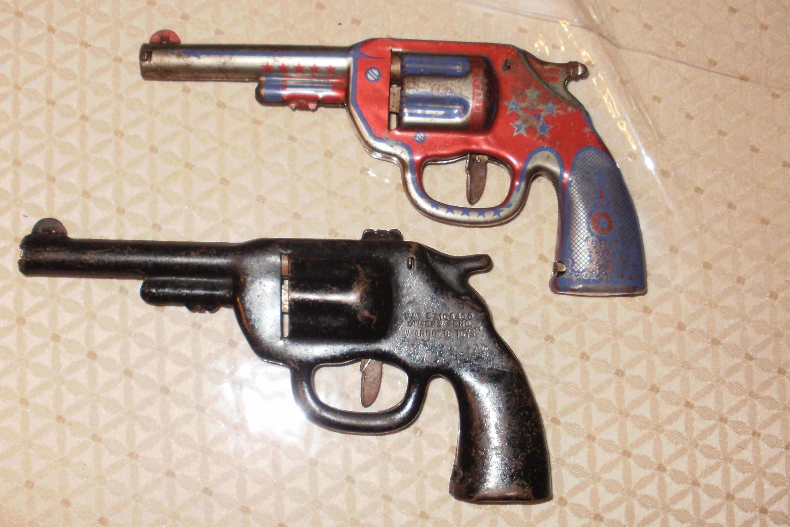 Fabulous VINTAGE TOY GUNS, DART GUNS ??? antique appraisal | InstAppraisal AE46