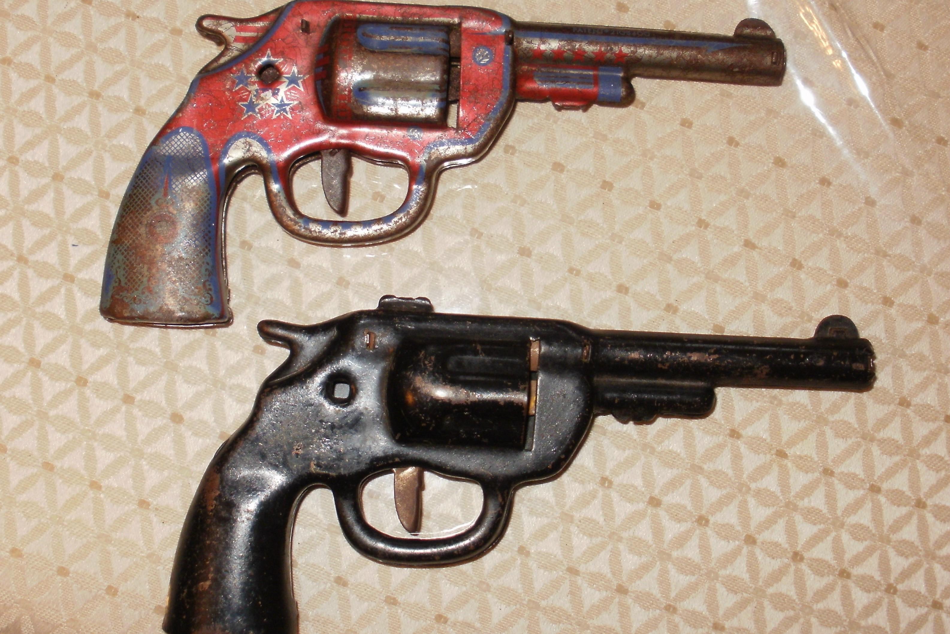 Preferred VINTAGE TOY GUNS, DART GUNS ??? antique appraisal | InstAppraisal TK71