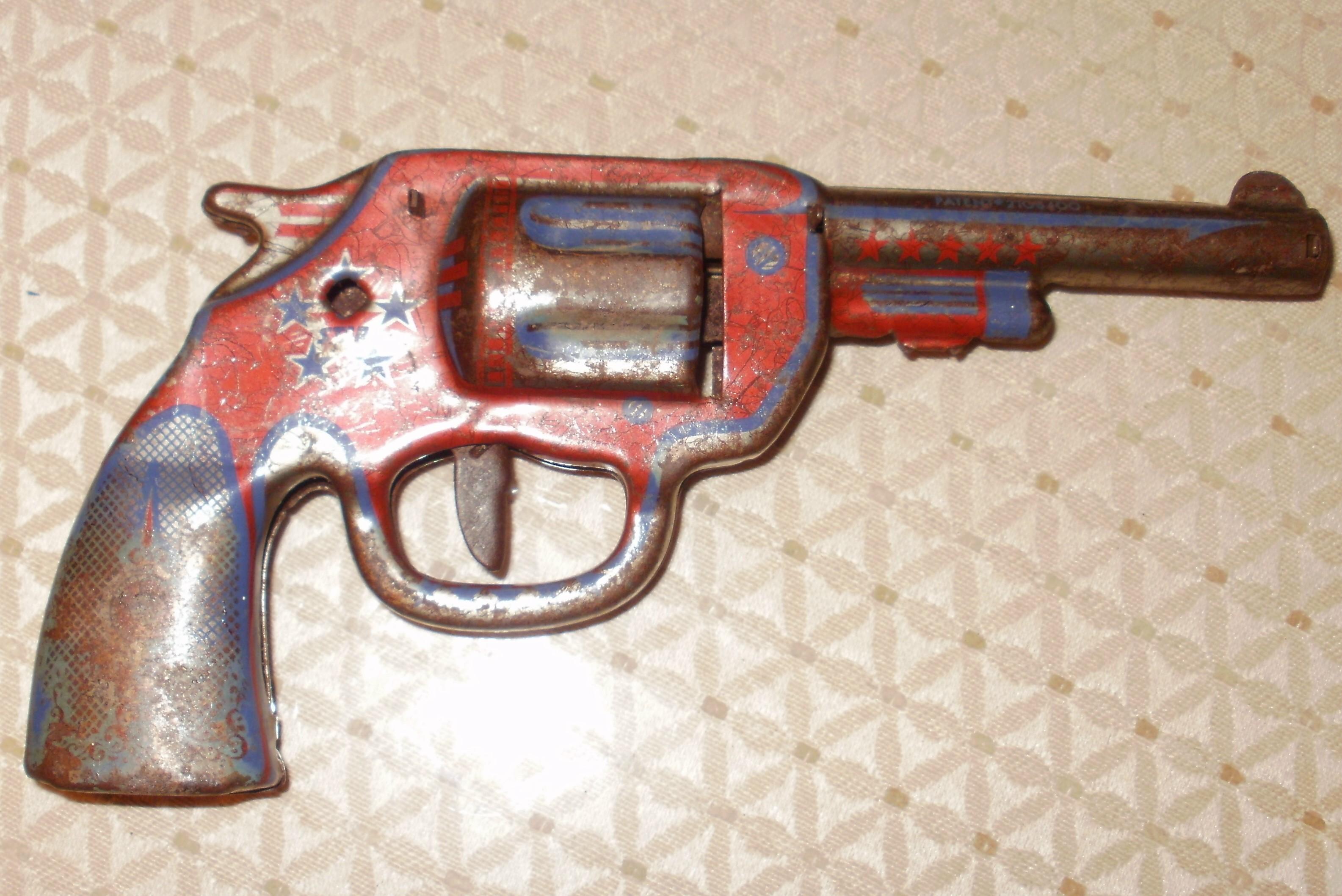 New VINTAGE TOY GUNS, DART GUNS ??? antique appraisal | InstAppraisal XP85