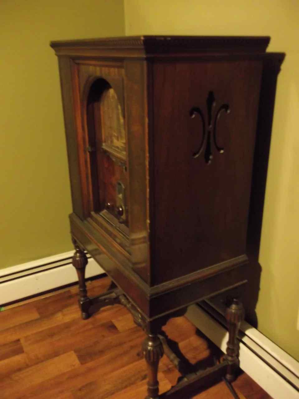 1940s Wooden Philco Radio Cabinet Antique Appraisal