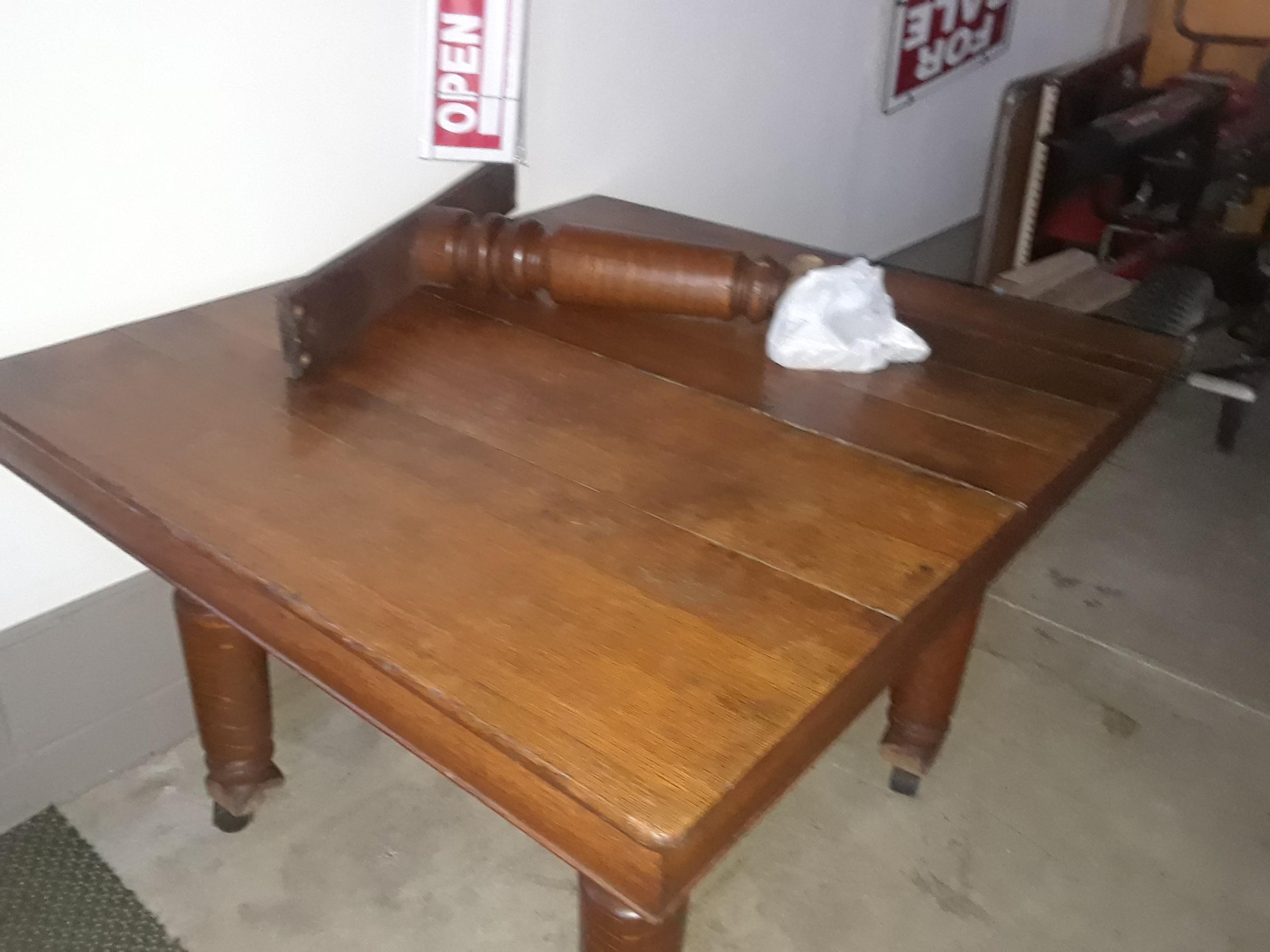 Antique Robbins Tiger Oak 5 Legged Dining Table With 6 Storing Leaves Antique Appraisal Instappraisal