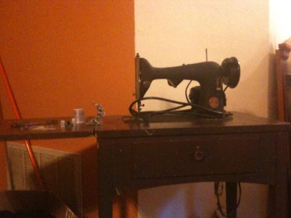 40 Singer Sewing Table With Foldout Sewing Machine Antique Beauteous Singer Sewing Machine 1949