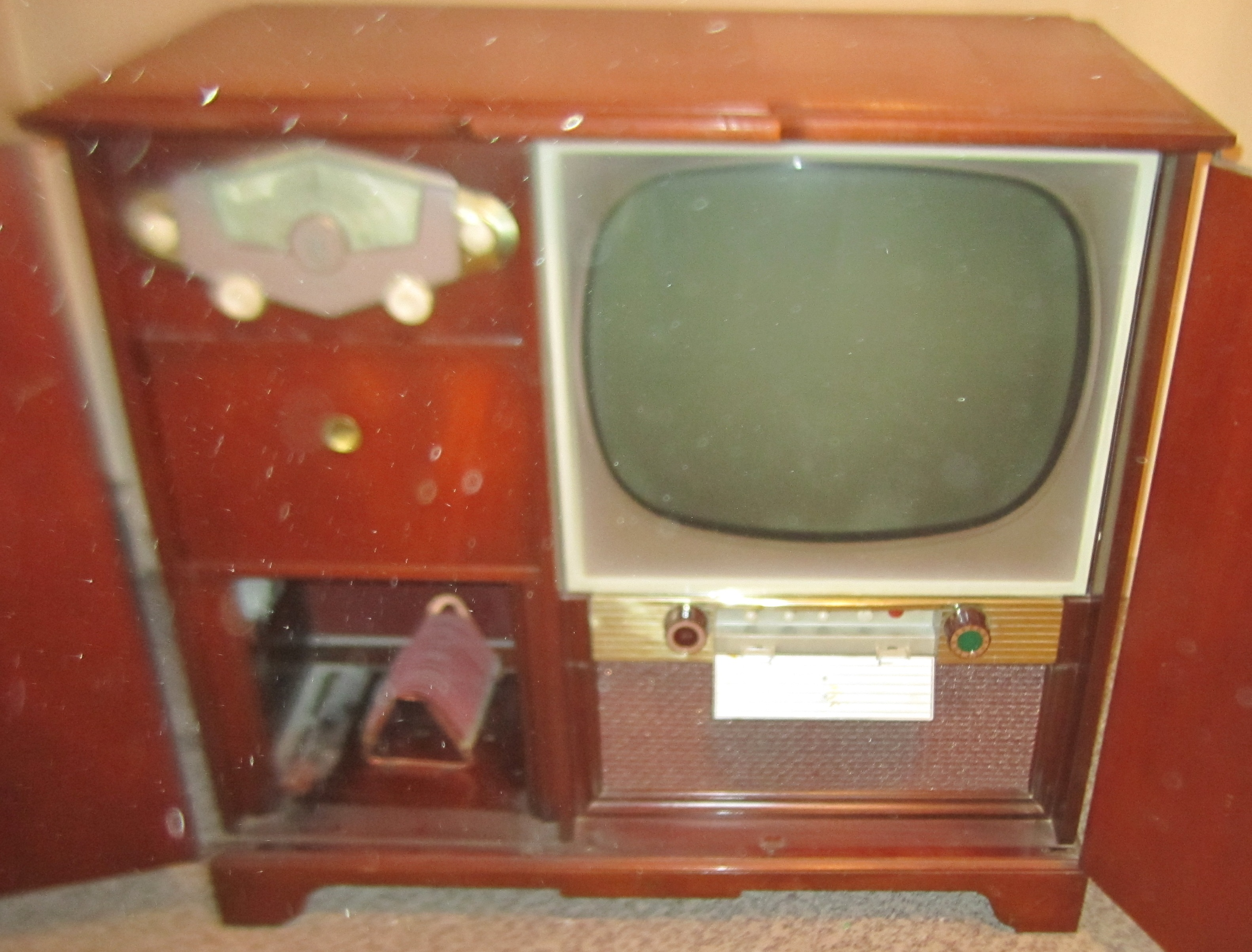 Zenith Console TV and Record Player antique appraisal