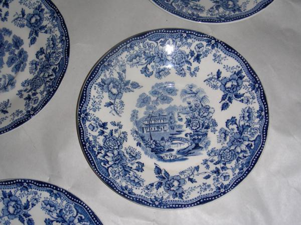 Clarice Cliff Royal Staffordshire Dessert Plates \ Tonquin\  & Clarice Cliff Royal Staffordshire Dessert Plates \
