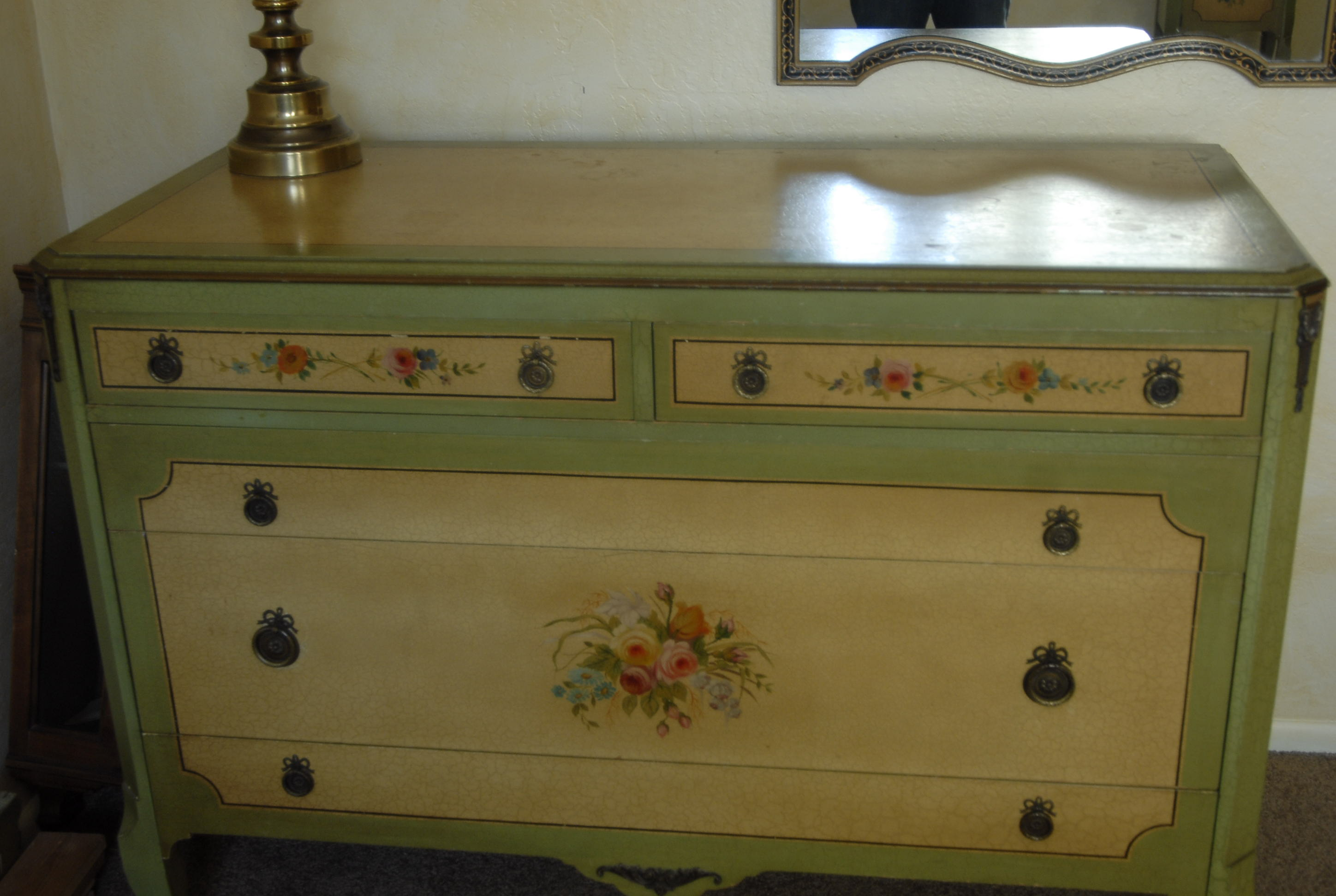 Antique hand painted crackle bedroom antique appraisal for Hand painted furniture