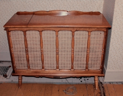 Victrola RCA Victor Tube Stereo Console Model 1VF 324a