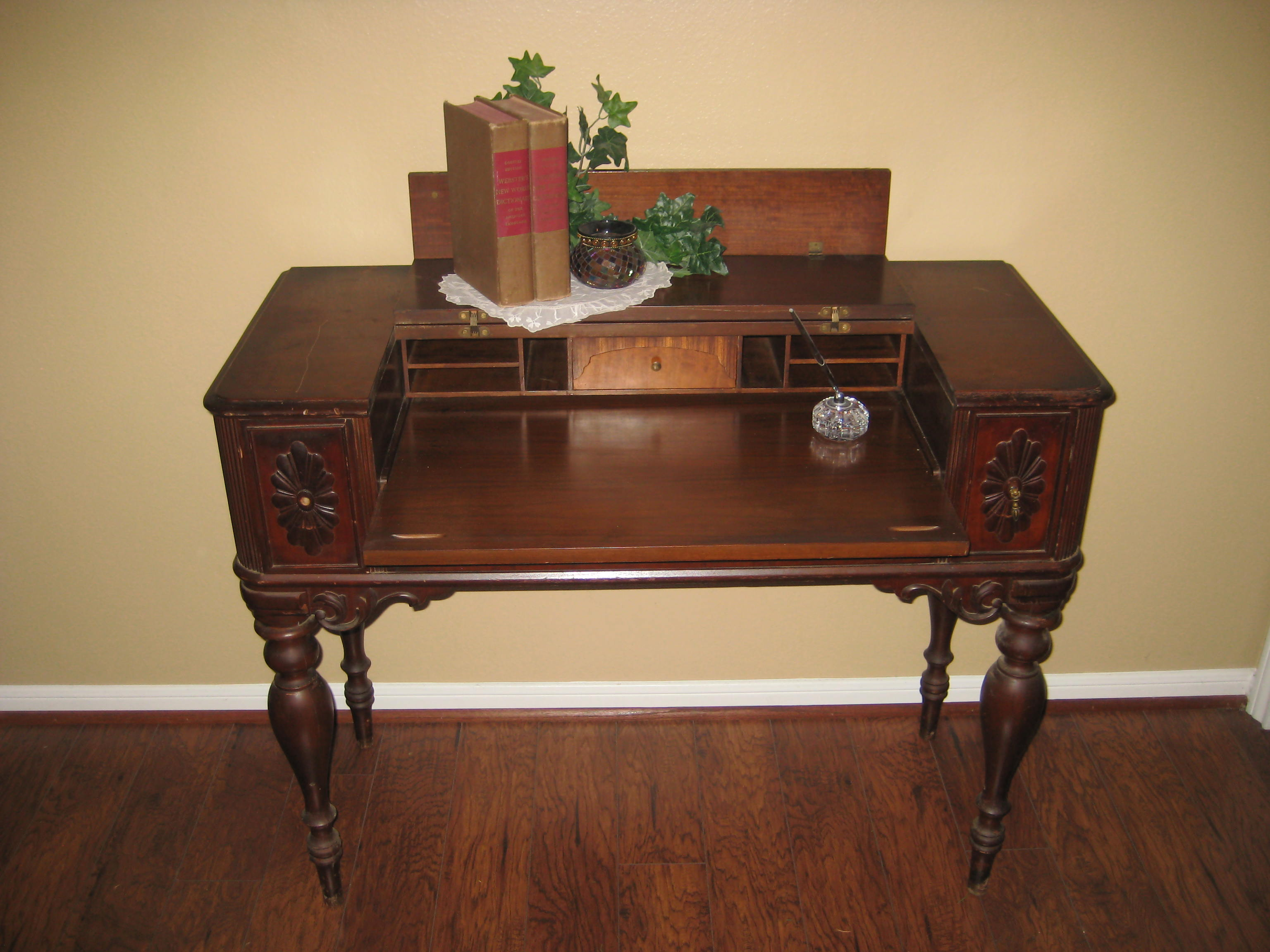aspect of image executive mahogany hekman product height desk chairish inlaid fit width