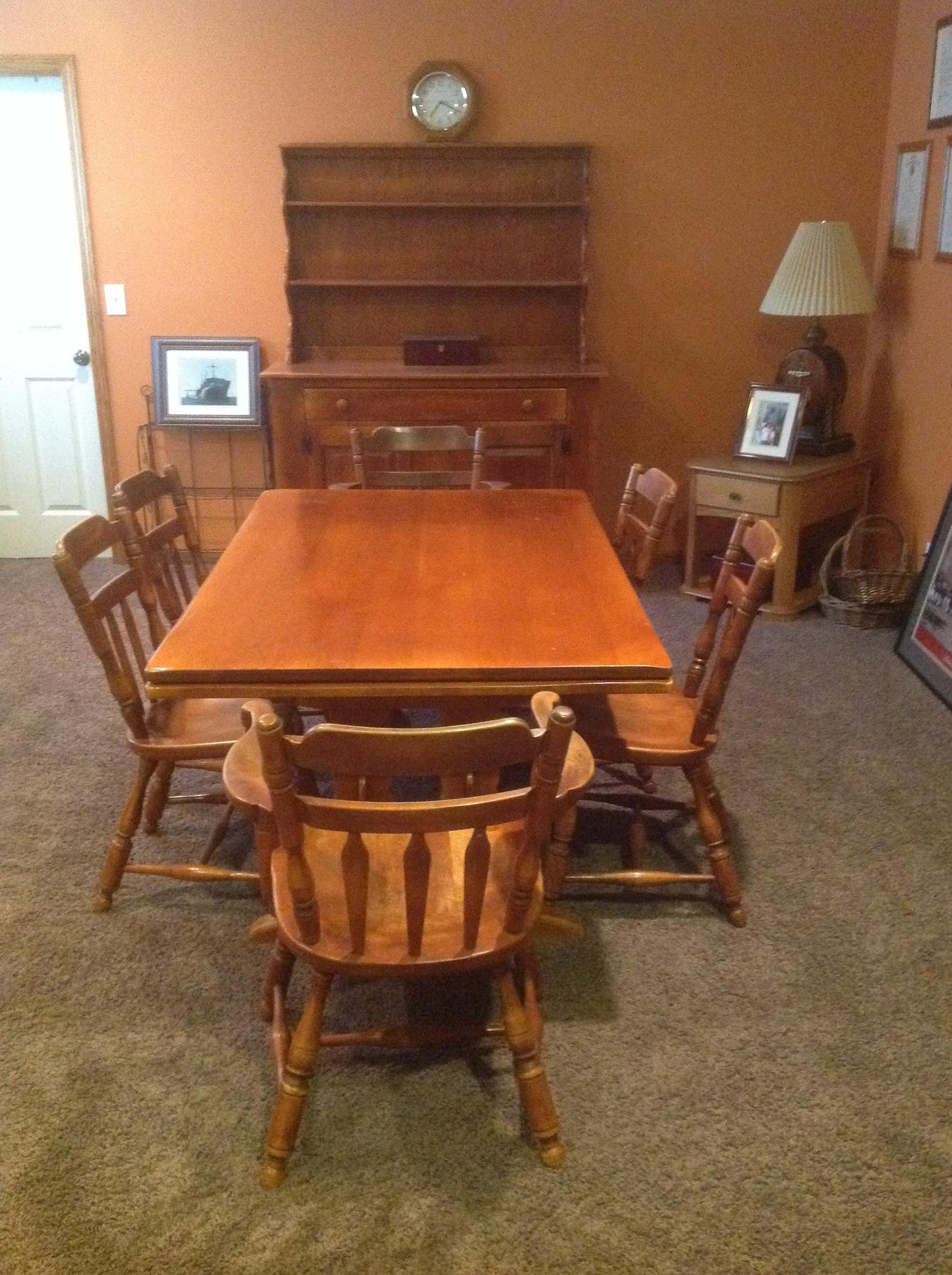 Cushman Genuine Creations Dining Room Set & Hutch with 6 ...