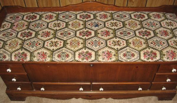 Best 1977 lane cedar hope chest antique appraisal | InstAppraisal VS07