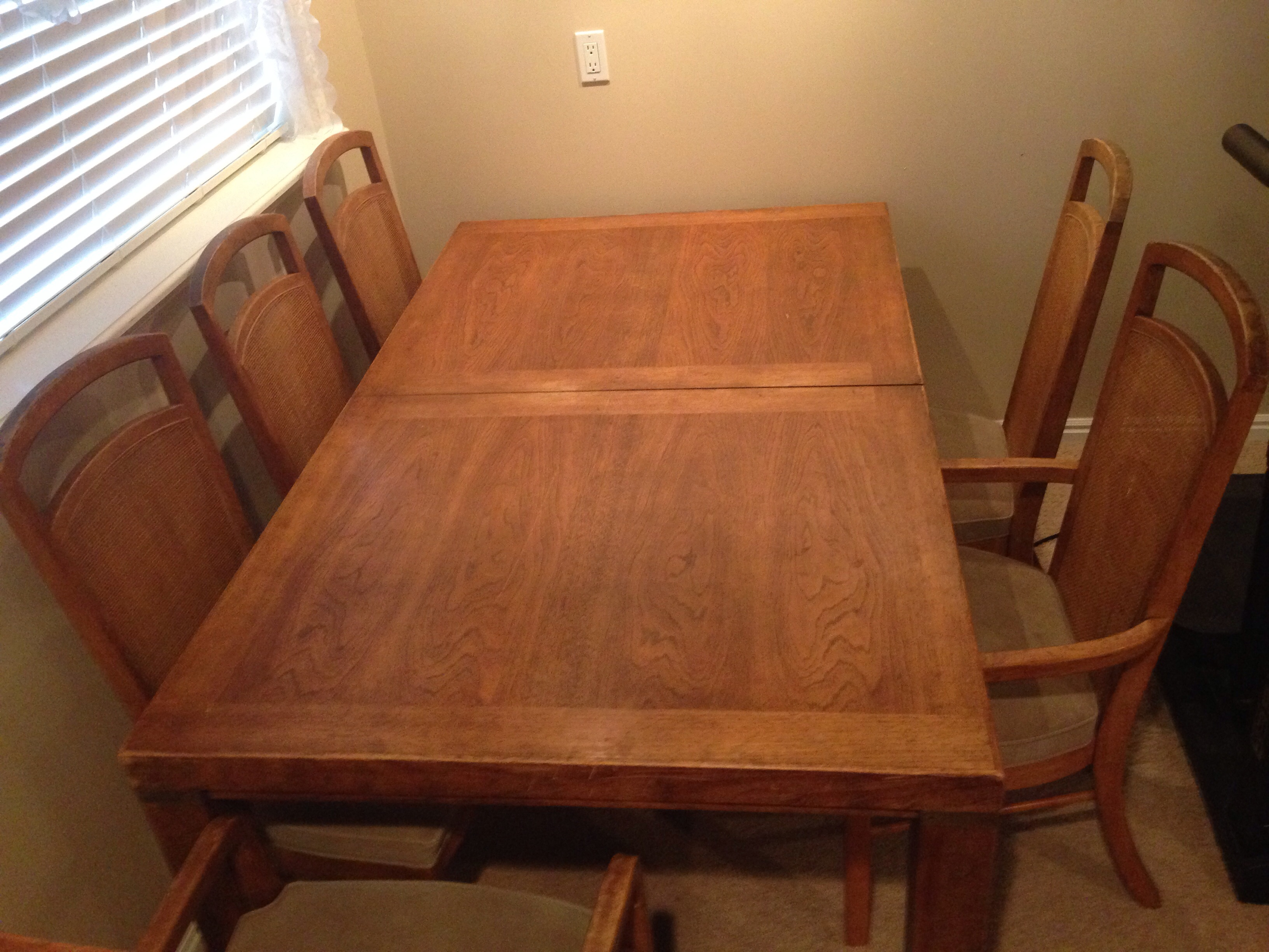 Woodbriar by Drexel Dining Table and Chairs antique appraisal