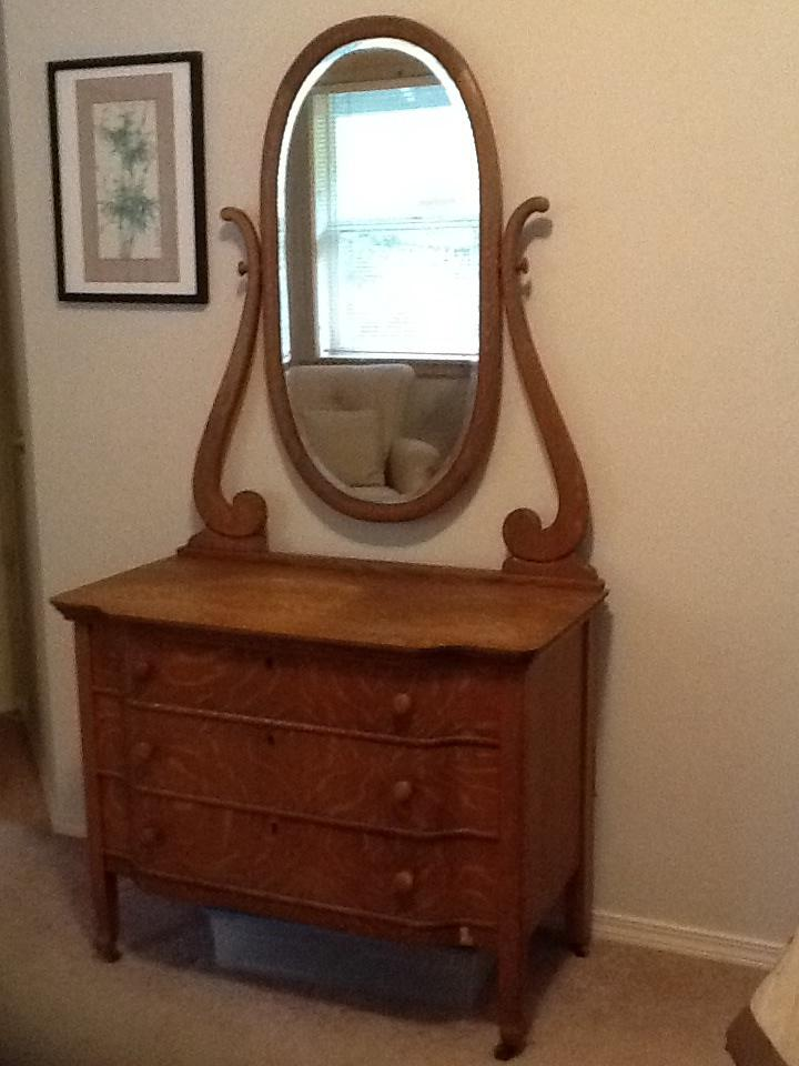Chittenden Amp Eastman Square Deal Dresser And Mirror