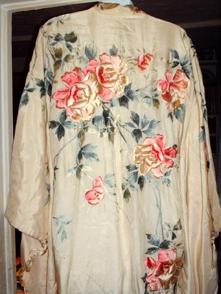 1930s Japanese embroidered uchikake kimono or dressing gown antique ...