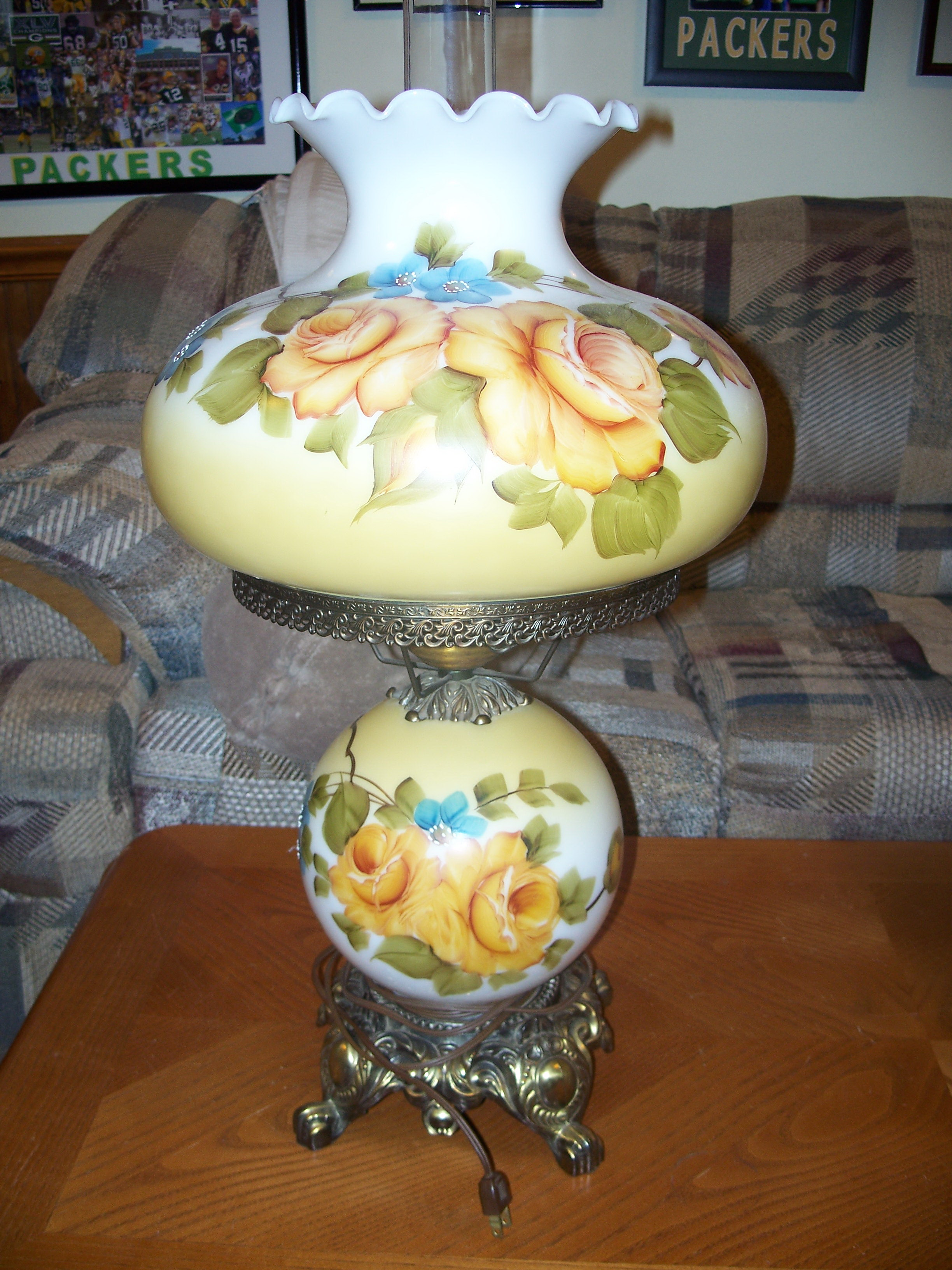 Antique Lamp Globes >> Double Globe Table Lamp Antique Appraisal Instappraisal