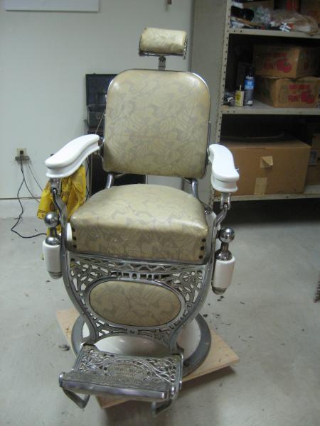 Beau Kochs Barber Chair