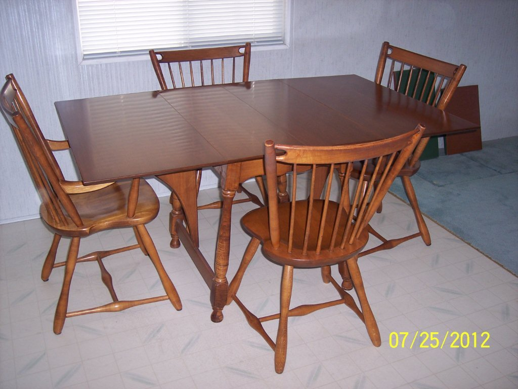 1950u0027s Sprague And Carleton Solid Maple Dining Room Set