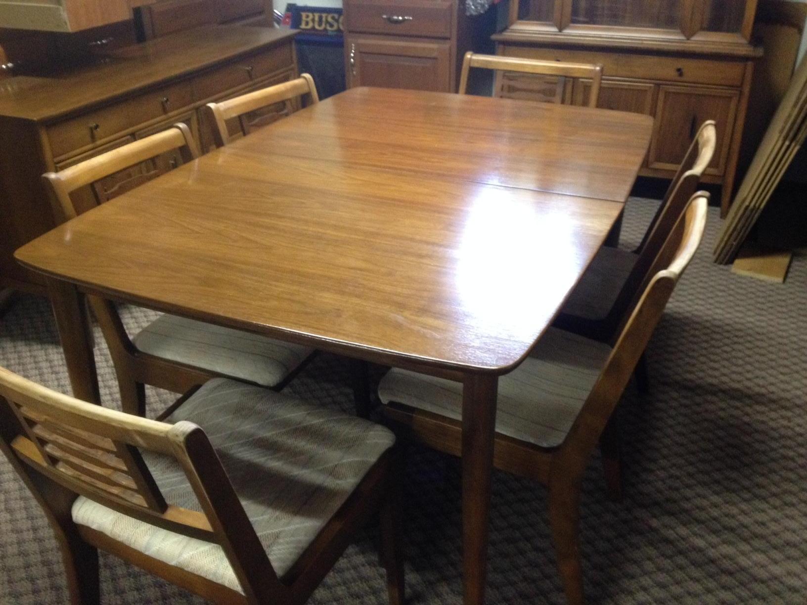 Walter Wabash Dining Room Set