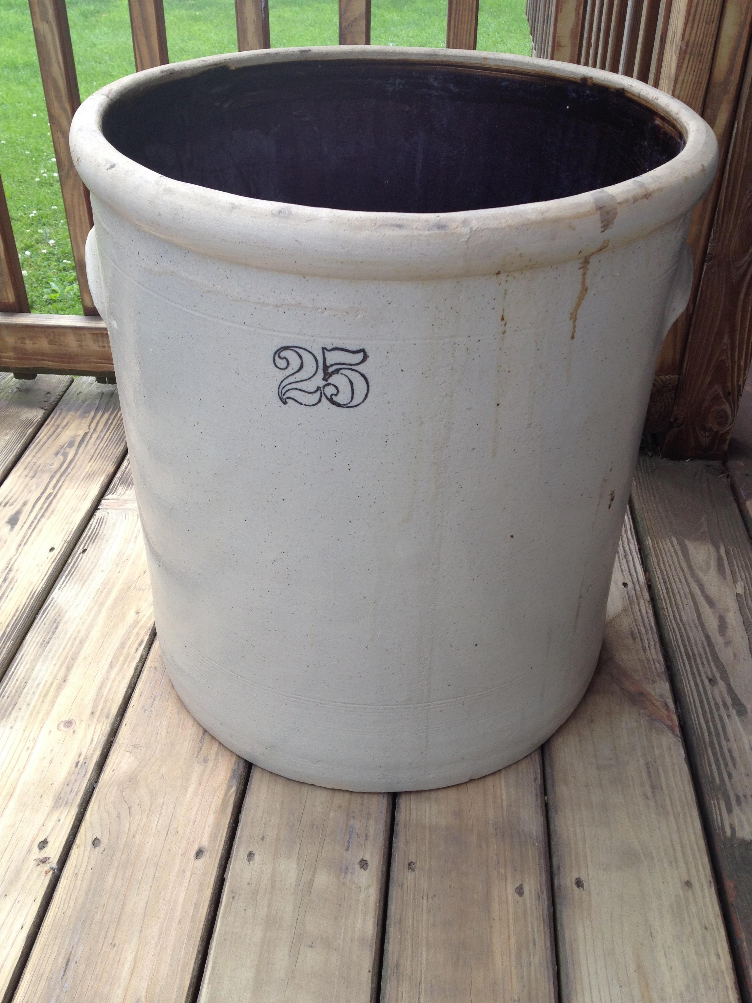 25 Gallon Stoneware Crock Antique Appraisal Instappraisal