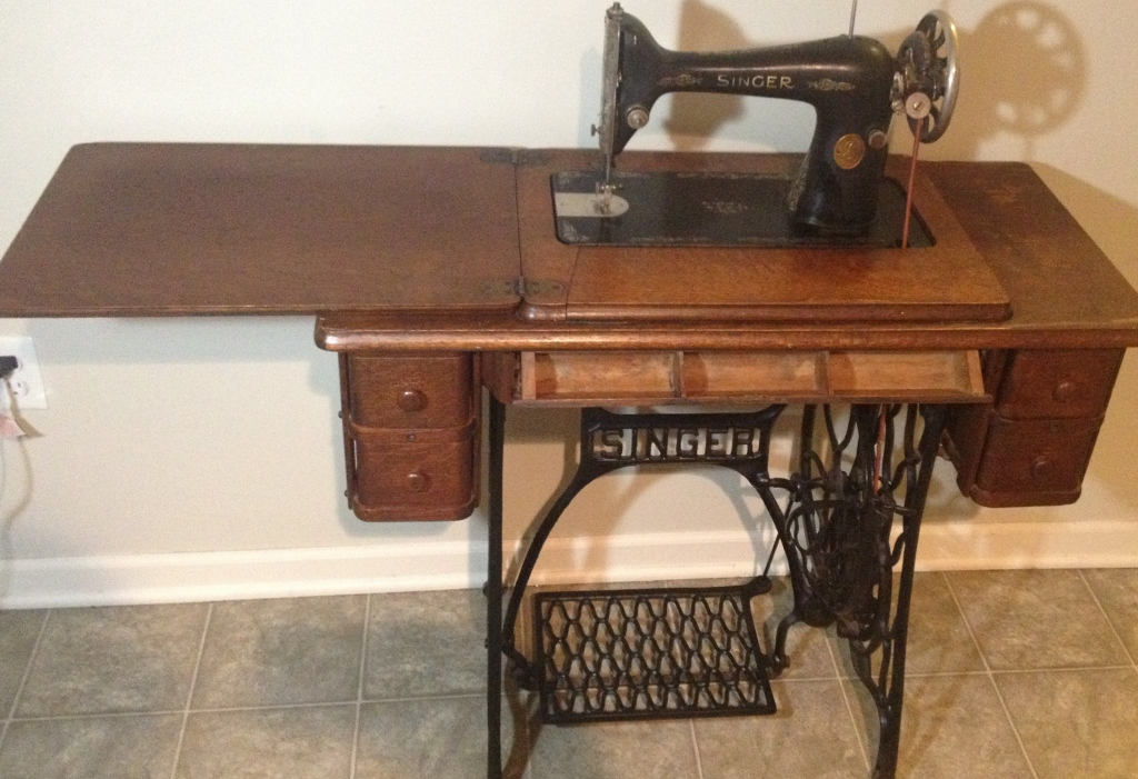 40 Antique Singer Sewing Machine Antique Appraisal InstAppraisal Inspiration Value Of Singer Sewing Machine