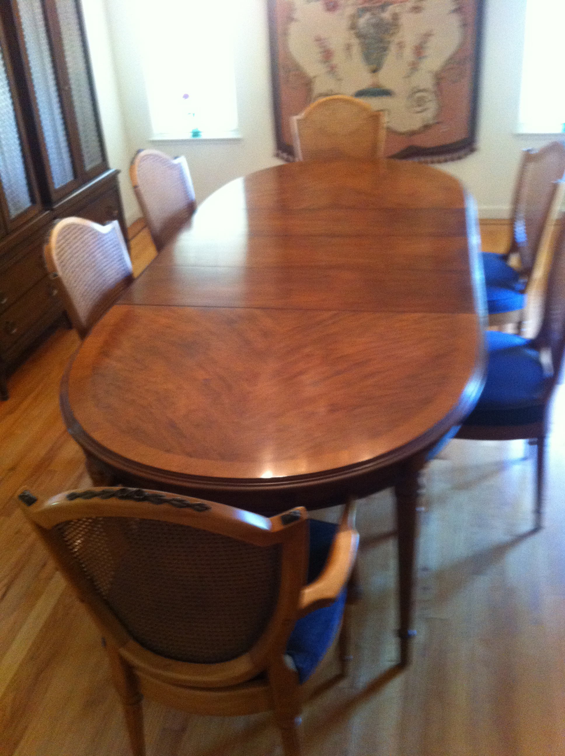 Esperanto By Drexel Table And Chairs Set
