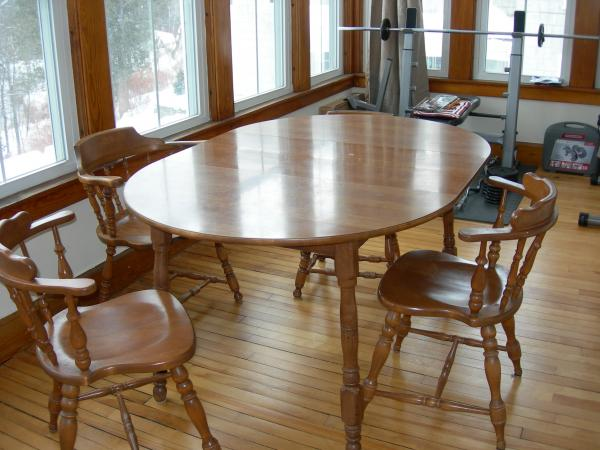 S Bent And Brothers Kitchen Table And Chairs Antique Colonial