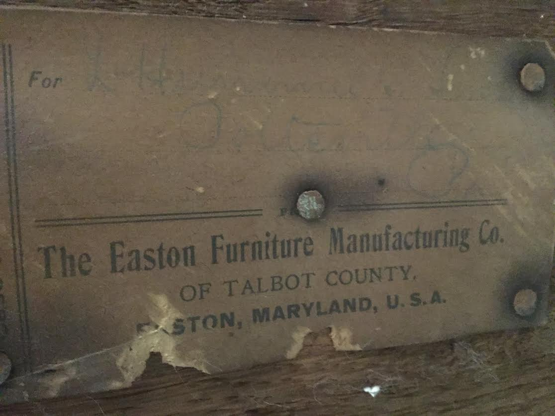 Easton Furniture MFG CO Dresser/ Hutch