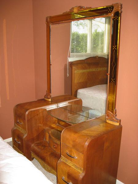 1930 S Art Deco Bedroom Set Bed Dresser Vanity Antique