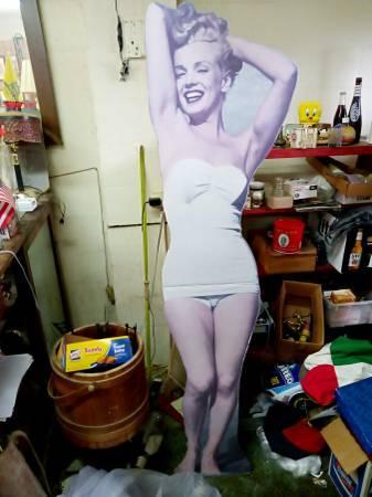 $150 for Marilyn Monroe Standee appraisal