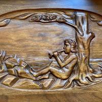 Top carving detail