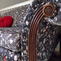 Vintage Duncan Phyfe Loveseat (arm close-up)