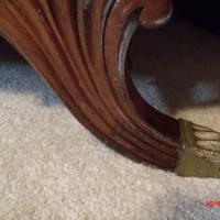 Vintage Duncan Phyfe Loveseat (leg & claw foot close-up)